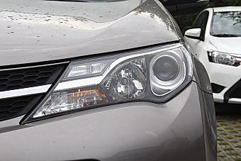 2015款RAV4 2.0L自动两驱风尚版