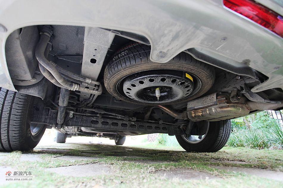 2011款别克GL8豪华商务车3.0 XT底盘图片