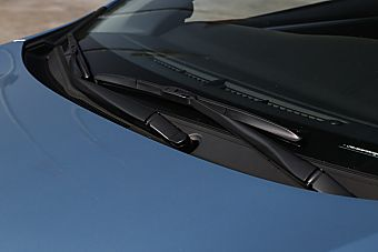 2016款卡罗拉双擎1.8L自动旗舰版