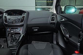 2015款福克斯两厢1.0L GTDi手动超能风尚型