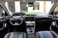 2016款标致308 1.6T自动尊贵版