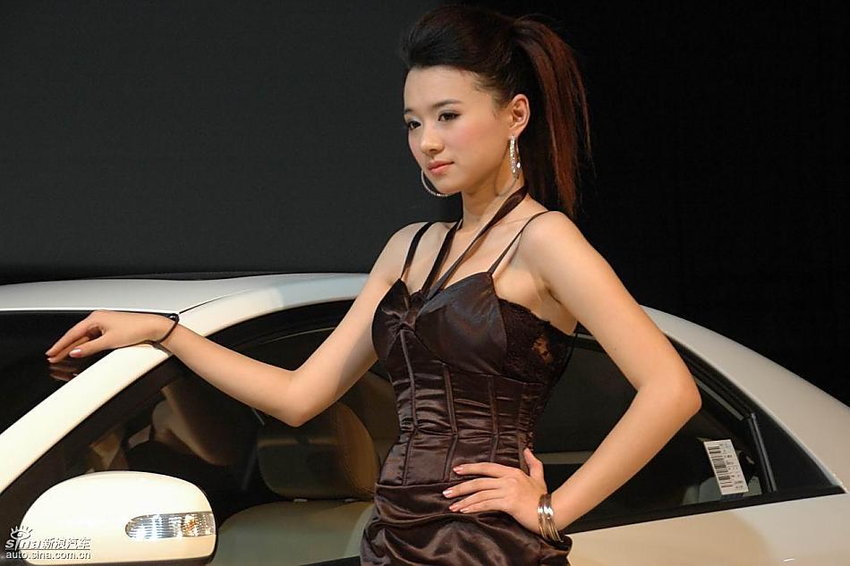 美女车模 福瑞迪图片175450