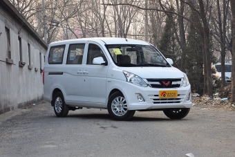 2015款 五菱宏光V1.5L手动标准型