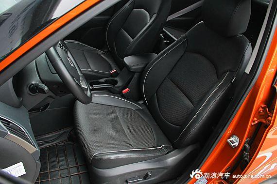 2015款北京现代ix25 2.0L自动四驱尊贵型