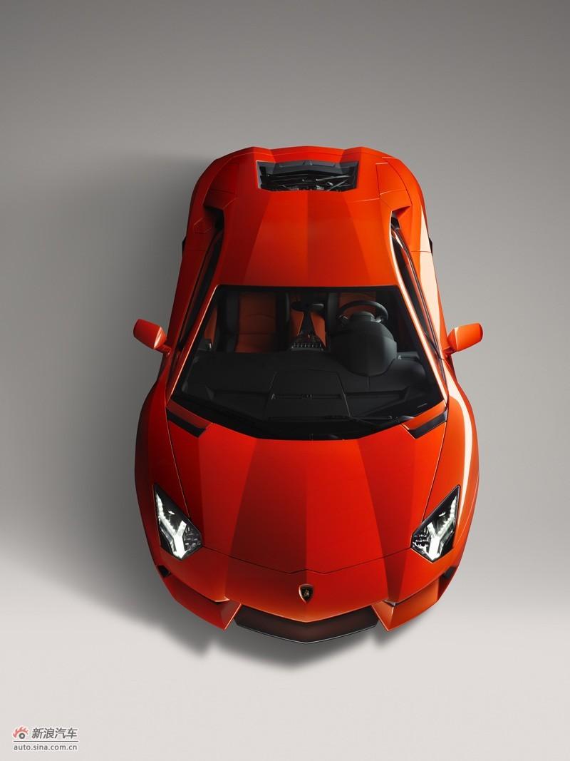 2011款Aventador LP700-4