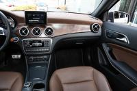 2015款奔驰GLA260 2.0T自动4MATIC 运动型