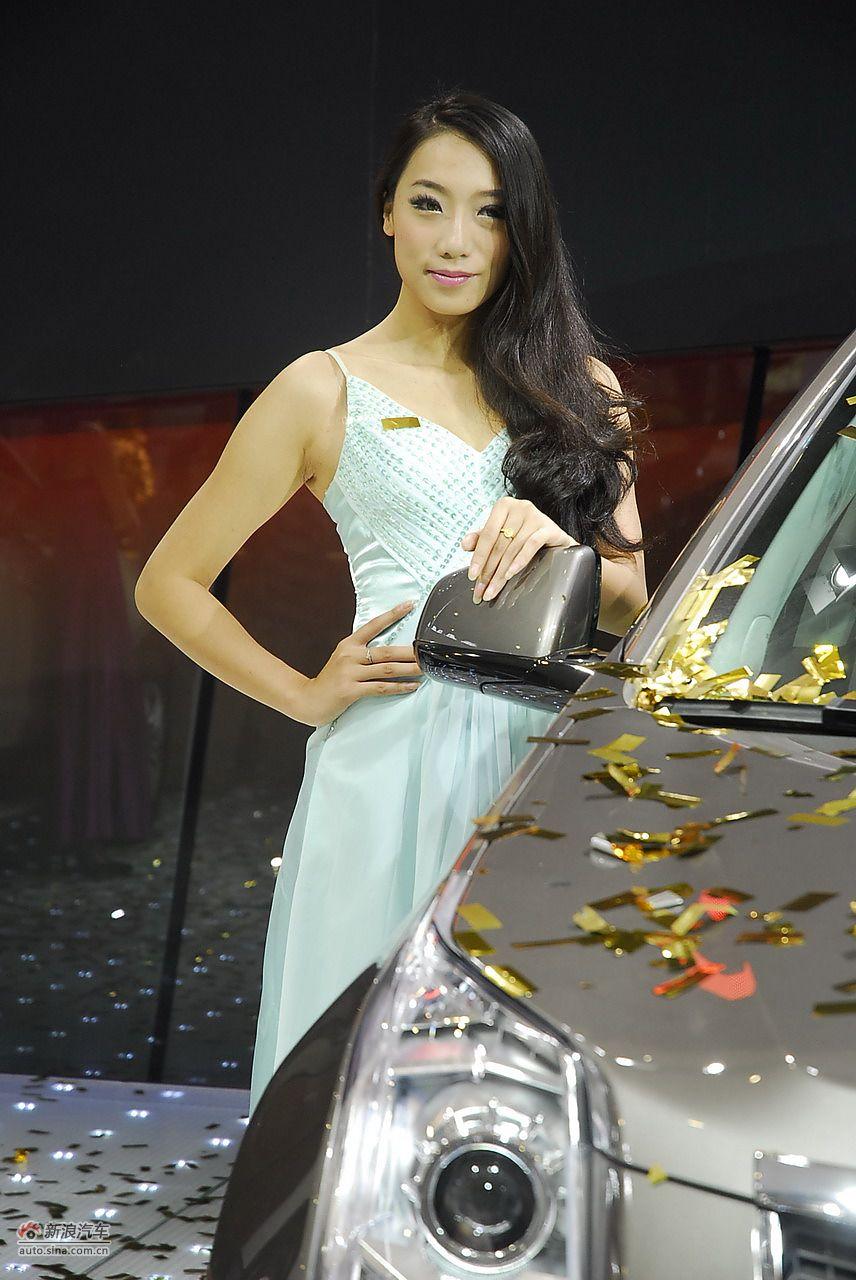 南京国际车展模特_2011南京车展美女模特图