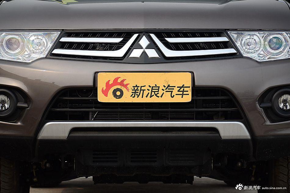 2015款帕杰罗·劲畅3.0L自动四驱旗舰版
