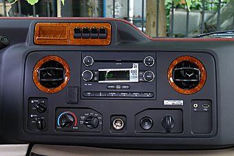 2015款福特E350黄金版