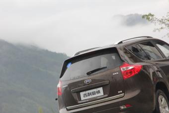 2014款吉利豪情SUV2.4L自动两驱尊贵型