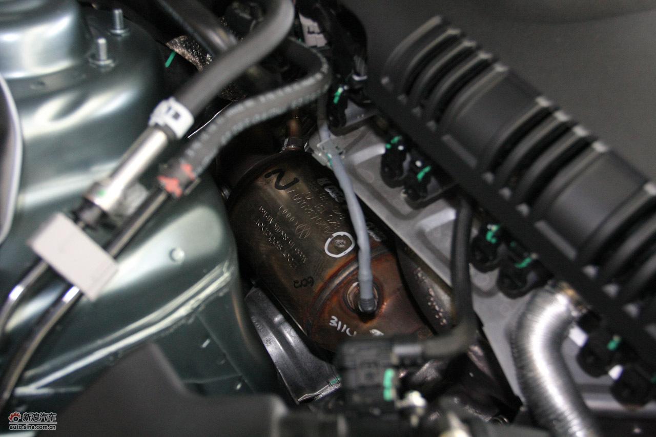 奥迪a4l引擎底盘图片1907000 汽车图库 新浪汽车 -奥迪A4L发动机舱高清图片
