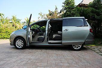 2011款别克GL8豪华商务车3.0 XT外观图片