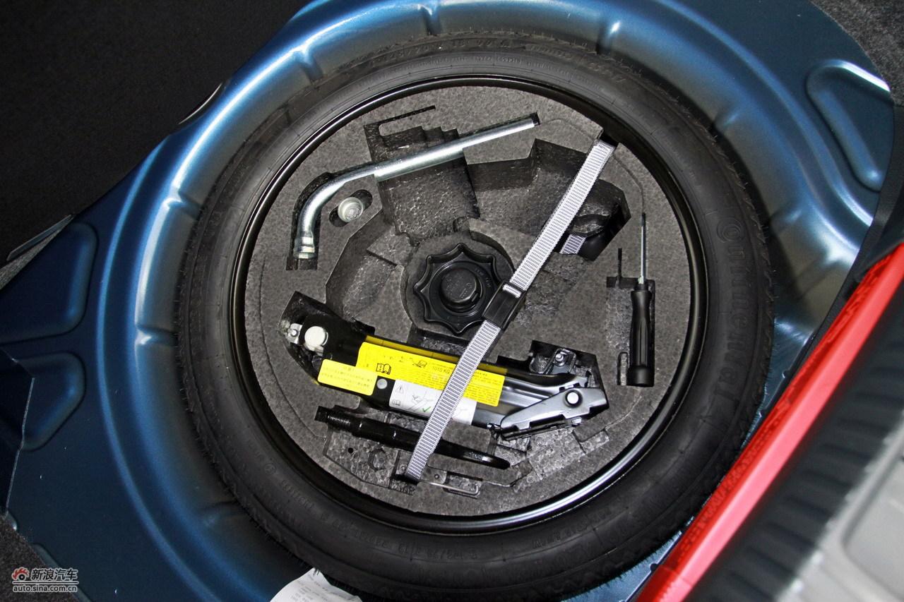 2011款尚酷r_尚酷引擎底盘图片6327492