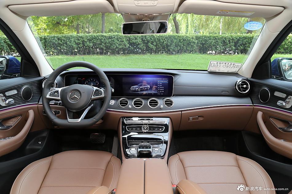 2016款奔驰E级2.0T自动E300L运动豪华型