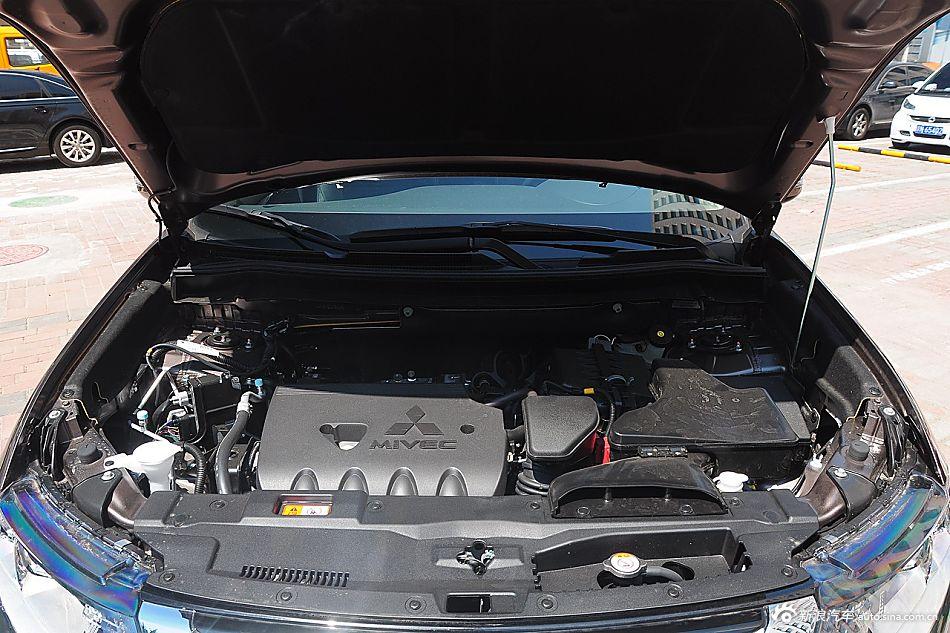 2016款欧蓝德2.4L四驱旗舰GT版 7座