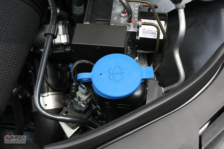 2010款奔驰C200 CGI_奔驰C级引擎底盘图片2