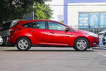 2015款福克斯两厢1.6L自动舒适型