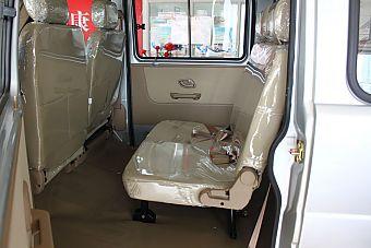 2012款小康K17座椅空间