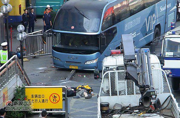 深圳汽车站大巴失控冲撞人群致5死5伤
