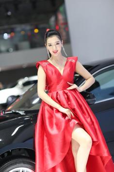 大红大紫的车展模特 堪比奥斯卡红毯