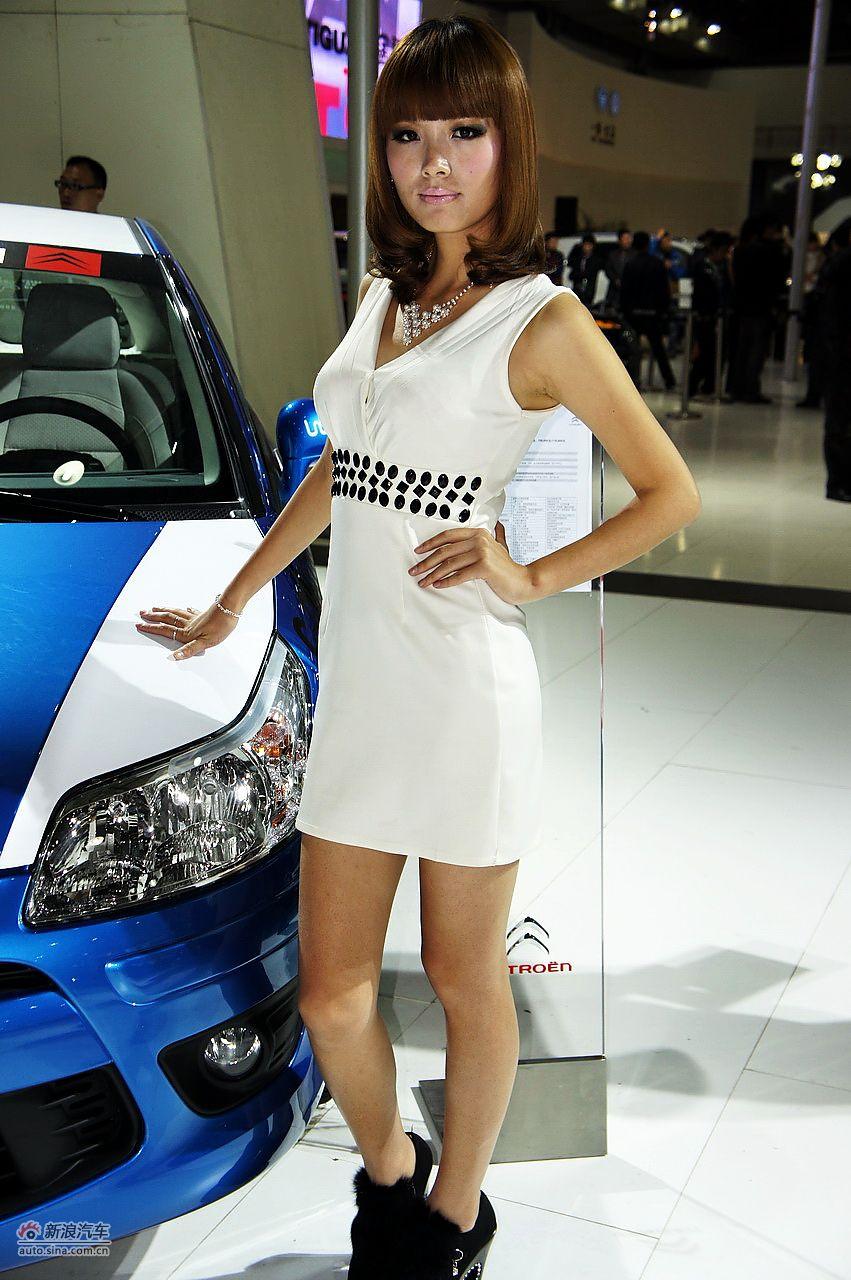 2011南昌车展现场模特图