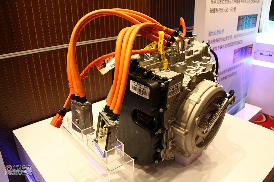 雪佛兰沃蓝达电池与电动机展示高清图片