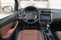 2016款风行F600L 1.5T手动豪华型