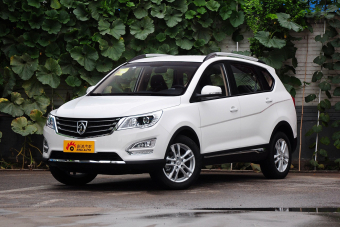 2015款 宝骏560 1.8L手动舒适型