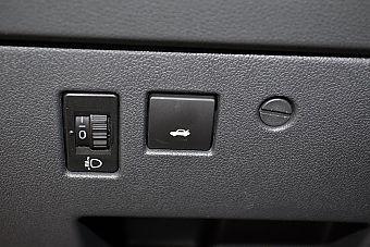 2013款东风标致408 2.0L手动舒适版