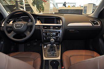 2013款奥迪A4L 30 TFSI 手动舒适型