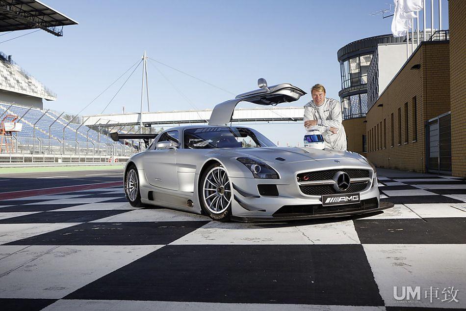 米卡 哈基宁与SLS AMG GT3
