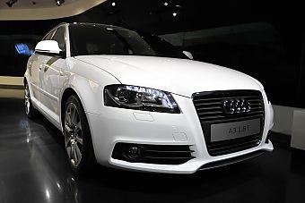 奥迪A3 Sportback-朱鹭白