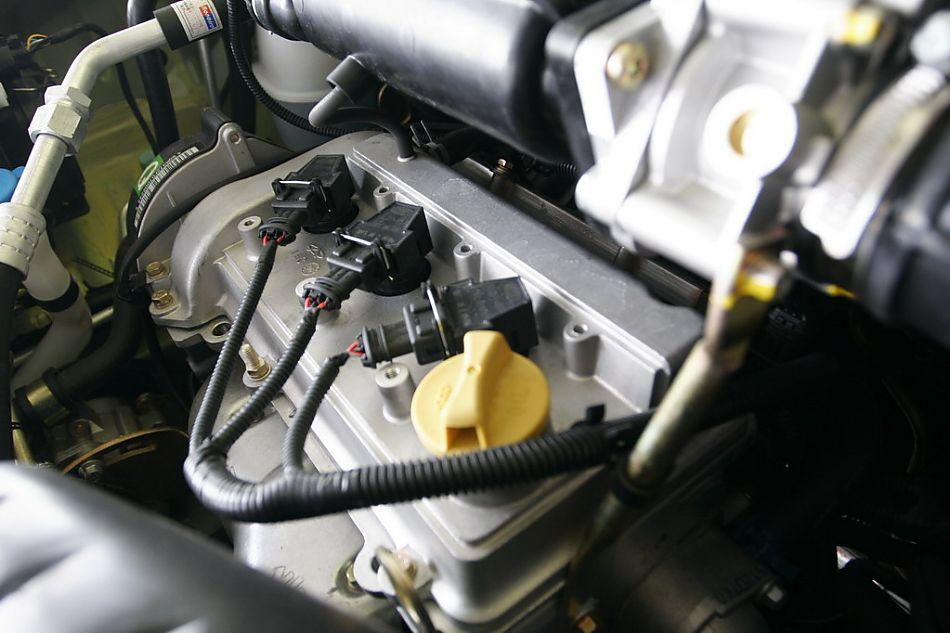 奇瑞qq3发动机 qq3引擎底盘图片34988 汽车图库 新浪汽车高清图片