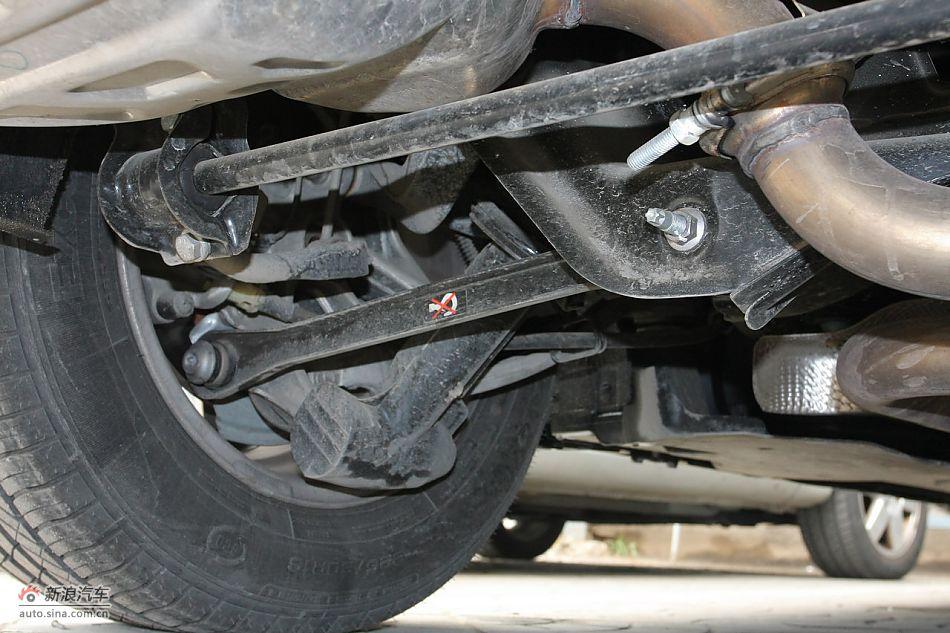 东风雪铁龙c5 2.3l尊雅型:发动机,底盘及后备箱