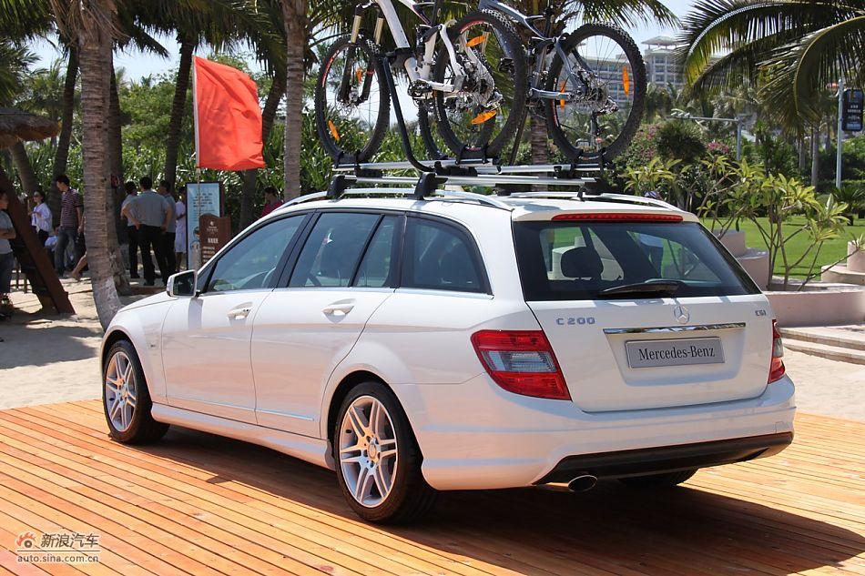 奔驰C200CGI旅行版外观