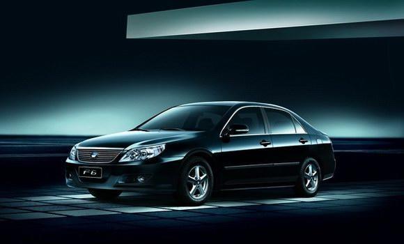 比亚迪f6混合动力汽车闪耀广州车展高清图片