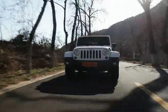 视频:[汽车测试B计划]2012牧马人-公路性能