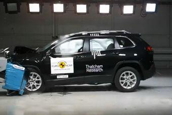 视频:JEEP自由光E-NCAP碰撞测试视频