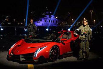 视频:330万欧起 兰博基尼Veneno航母甲板大秀