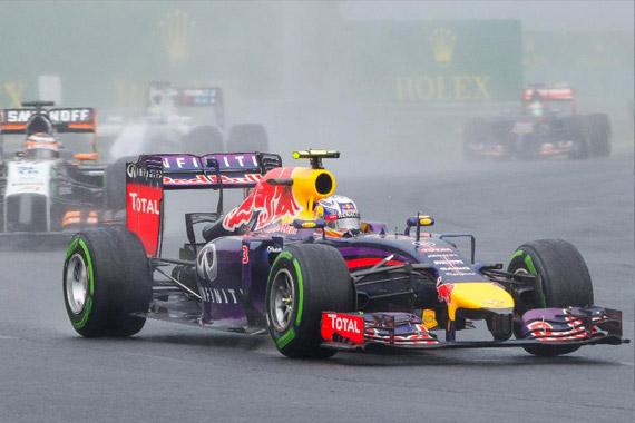 视频:F1匈牙利站官方剪辑 上半年最经典的一站