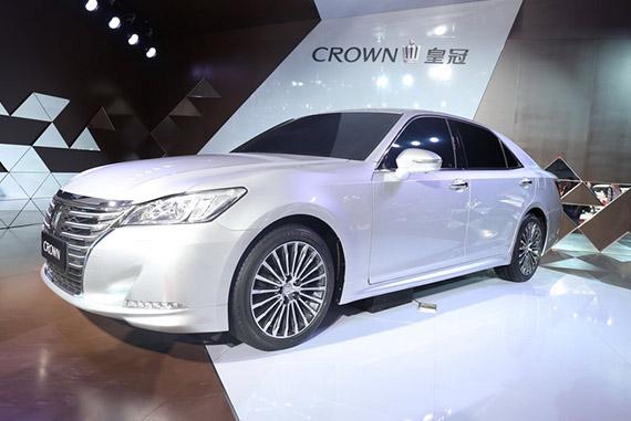 视频:2014广州车展必看车型之丰田全新皇冠