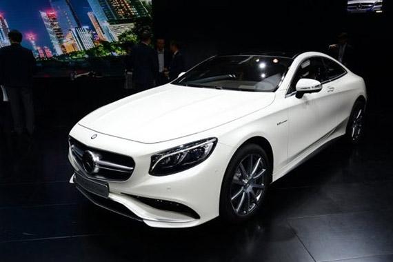 视频:2014广州车展热点新车之奔驰S级coupe