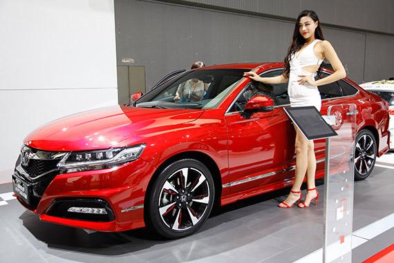 视频:2014广州车展必看车型之东本新思铂睿