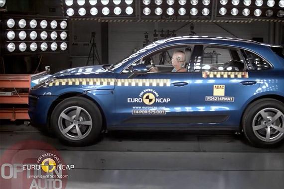 视频:5星安全 保时捷Macan碰撞测试