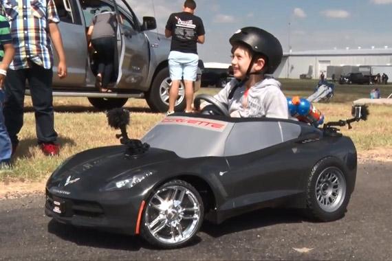 视频:跑车小精灵 科尔维特C7 Stingray
