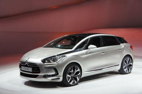 视频:2015上海车展必看车型之新DS 5