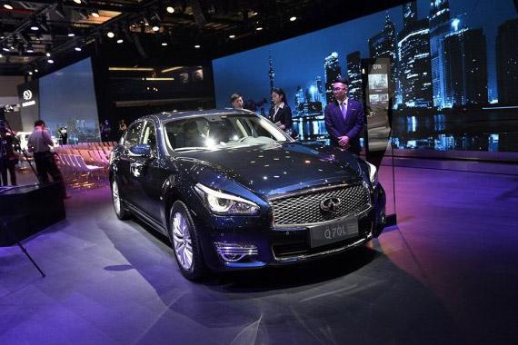 视频:2015上海车展必看车型之英菲尼迪Q70L