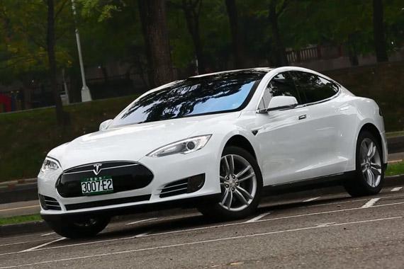 视频:风驰电掣 Go车志试驾特斯拉Model S