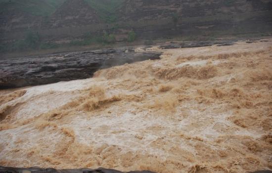 黄河的咆哮 壶口瀑布
