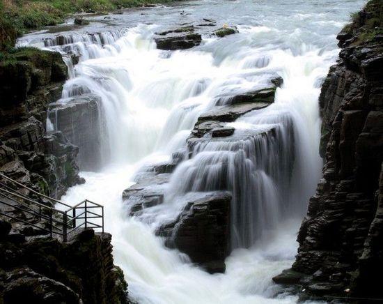 自然的鬼斧神工 中国五大美丽溶洞